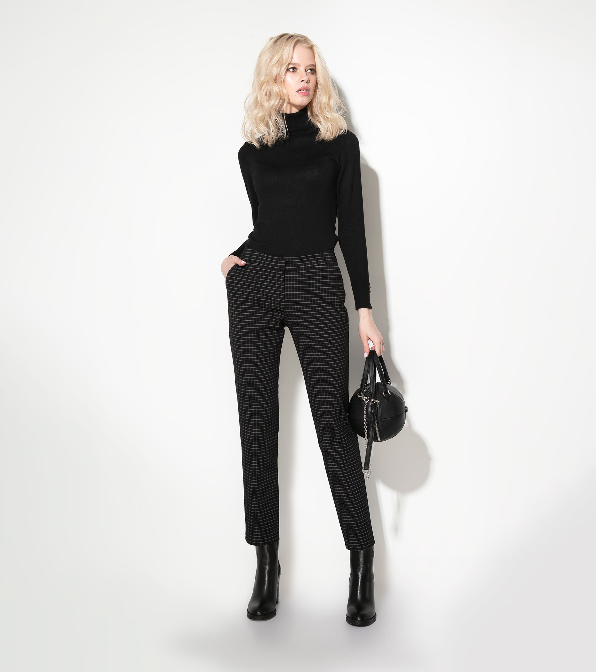 Women's trousers 710060